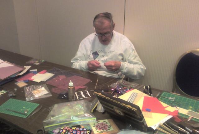 charlie_making_kites_100609_001
